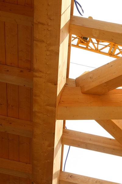 dettaglio-capannone-industriale-legno-1